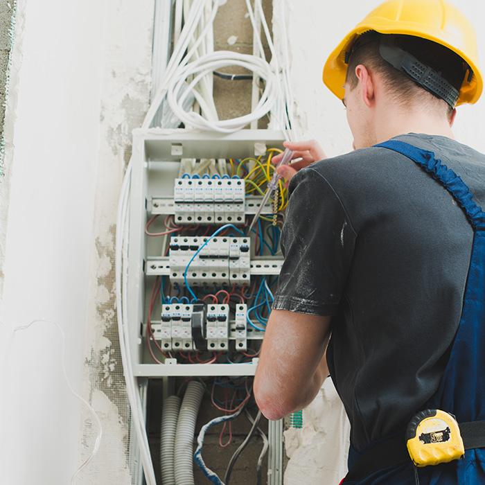 Elektryk - Usługi elektryczne i remontowe.